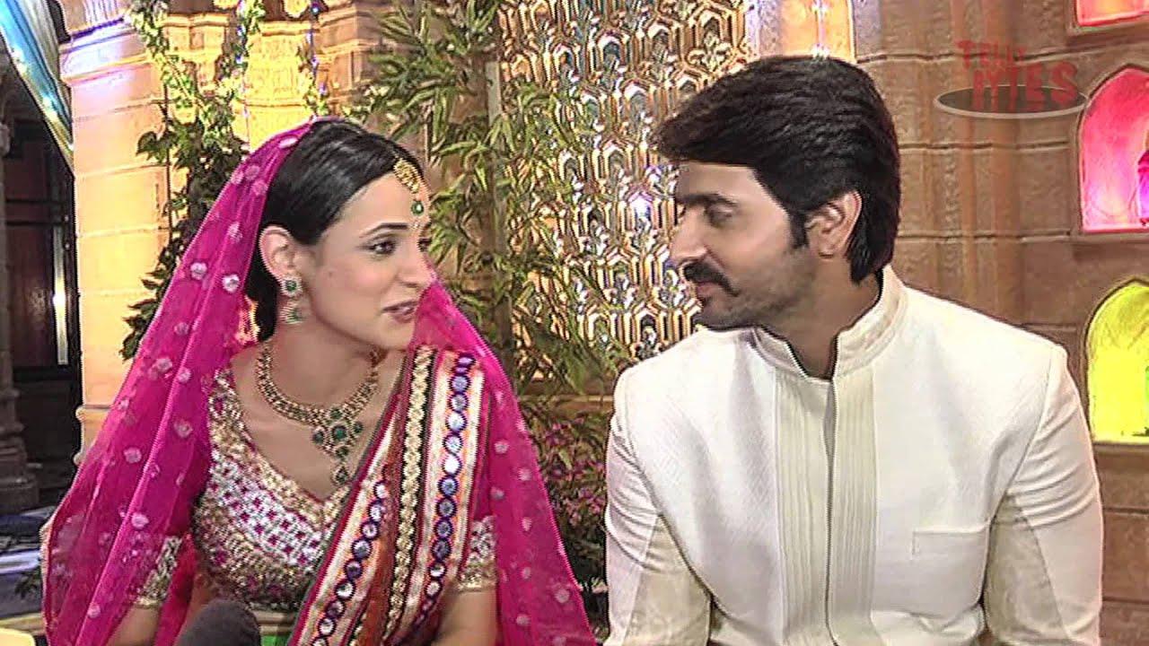 ... 19> Images For - Ashish Sharma And Sanaya Irani Offscreen