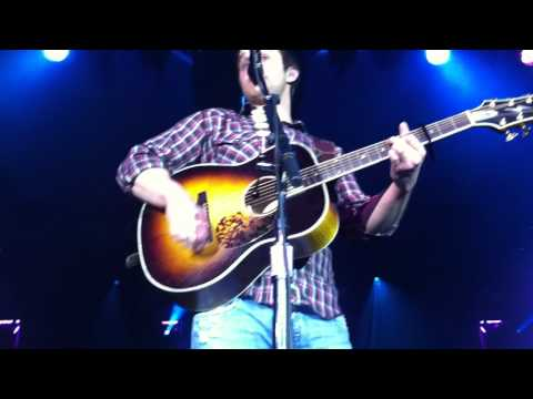 Easton Corbin - You Look So Good In Love (George Strait cover)