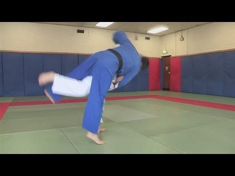 How To Throw People In Judo Image 1