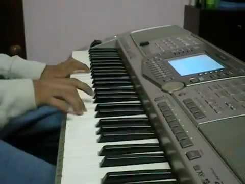 Kuch is Tarah-Piano Cover.flv