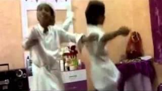 رقص سعوديين ورعان استهبال BB:26D8E83F