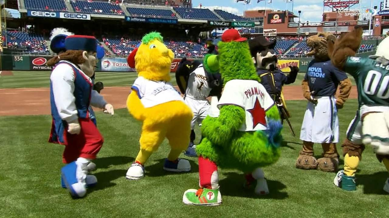 Philly Phanatic Friends Phanatic And Friends do a