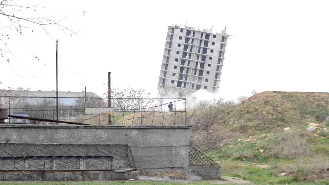 Démolition d'un immeuble niveau débutant