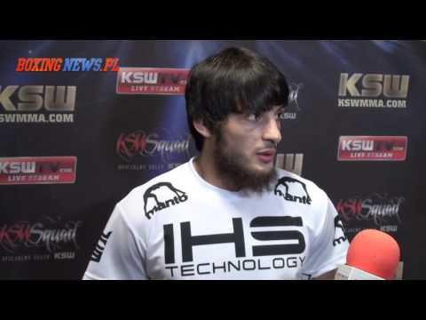 Anzor Azhiev po wygranej walce z Vaso Bakocevicem na KSW 33 (29.11.15)