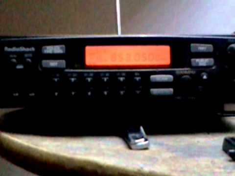 Radio Shack Pro 2046 scanner in action