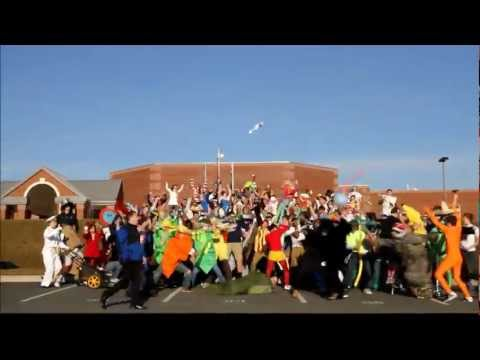 Harlem Shake ~ The original Tuscarora High School Edition. Highly Recommended that you Watch in 480p or 720 p. Watch.Enjoy.Share. SONG NAME: Harlem Shake - B...