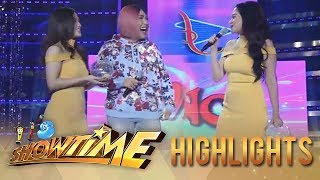 "It's Showtime Miss Q & A: Bela Padilla imitates ""Ate Girl's"" OOTD"