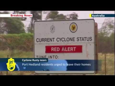 Western Australia on red alert as cyclone approaches