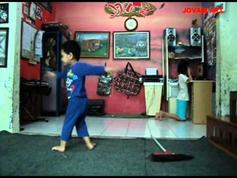 Bayi Ajaib-tari Blek Dik Dot video