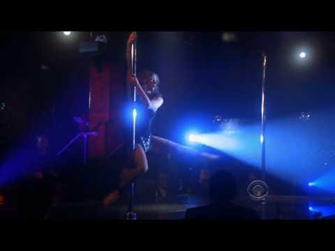 Jennifer Love Hewitt pole-dances for Jabba the Hutt thumbnail