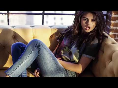 Selena Gomez Jeans. Selena Gomez Clothes. Selena Gomez Look (fashion)Selena Gomez Jeans Styles 2017 thumbnail