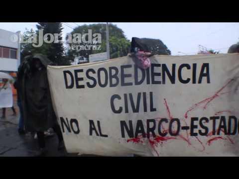 Protestan en Xalapa contra represión de Ayotzinapa