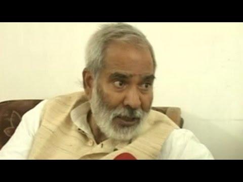 Top job for Nitish Kumar: RJD leader talks tough, Lalu Prasad non-committal