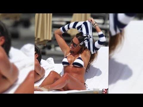 Bikini-Clad Tamara Ecclestone Works the Nautical Look in Miami – Splash News