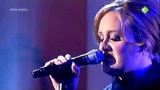 Adele - Rolling In The Deep (Live) Perfect !