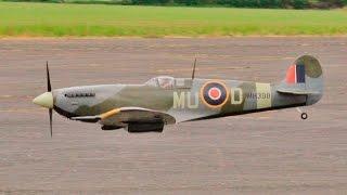WW2 RC FIGHTER / BOMBER DISPLAY AT LMA RAF TIBENHAM - 2016