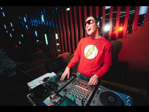 DJ SuperStar - диджей в стиле funk! (Москва)