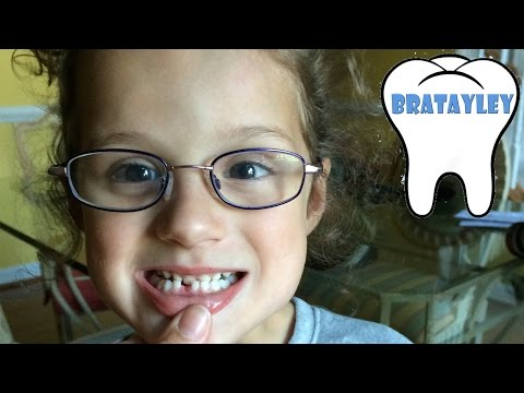 Hayley Lost Her 1st Tooth! (WK 189.4) | Bratayley