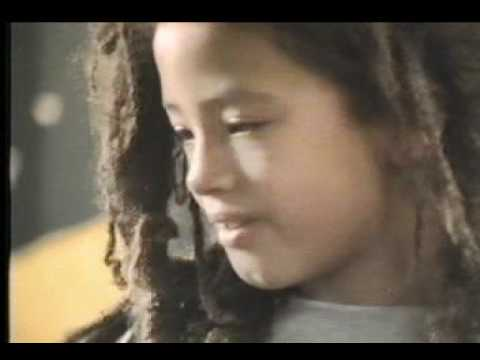 Bob Marley - One Love (Clip Officiel)