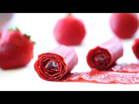 Homemade Strawberry leather rolls recipe