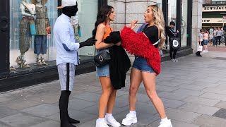 Fake Mannequin Surprises People at Unexpected Time:  Mannequin Prank