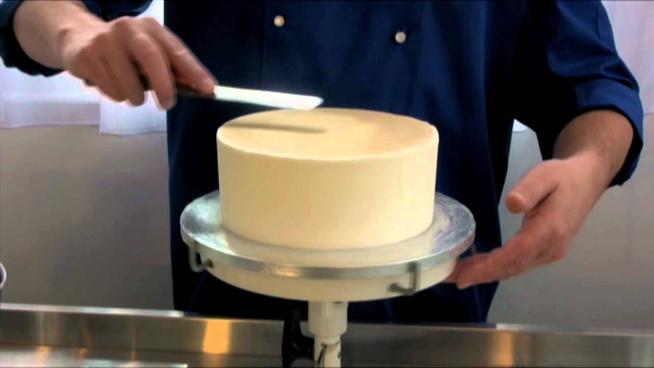 How To Smooth Icing On A Wedding Cake