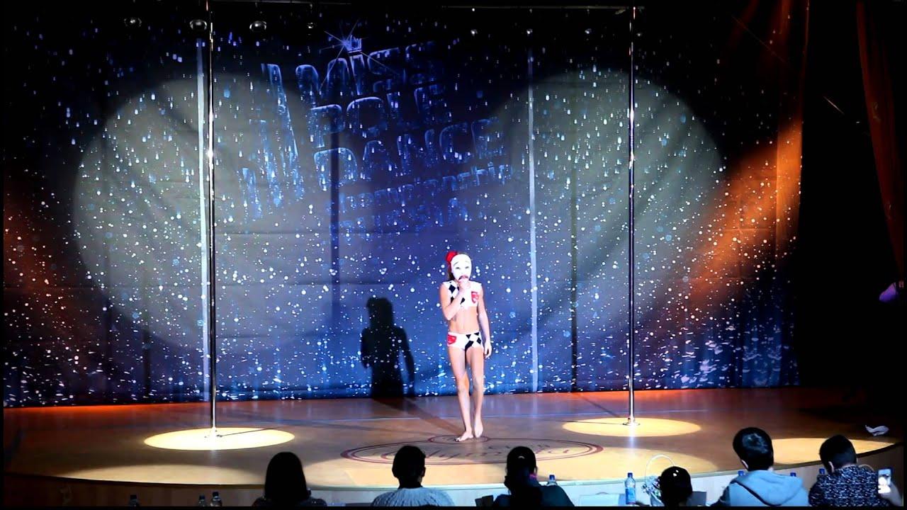 Сексуальные девочки танцуют стриптиз 21 фотография