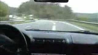 Déraper sur une plaque d'huile à 150 km/h