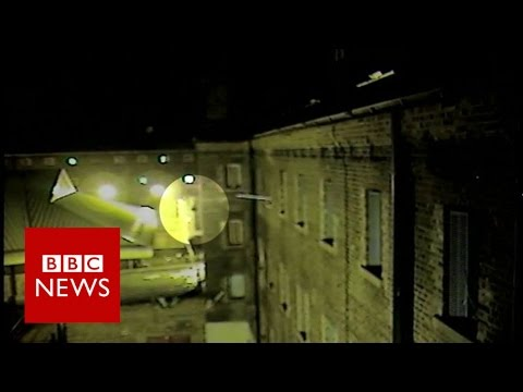 Drone delivers drugs & mobiles to London prisoners - BBC News