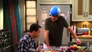Two and a half men: Charlie y Esmeralda. (Sub en español) (1/2)
