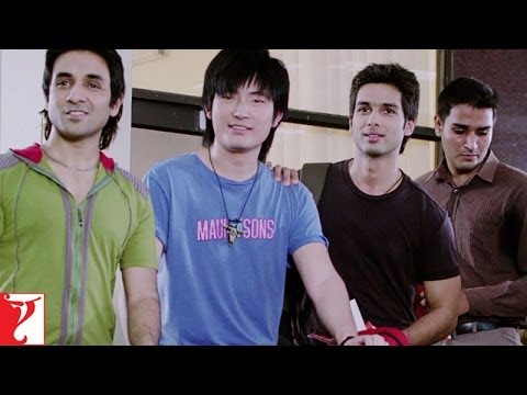 Are You Carrying? - Comedy Scene - Badmaash Company