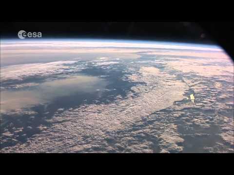 Красивое видео нашей планеты Земля сделаного из космоса