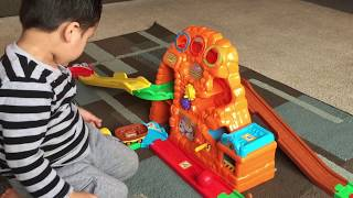 Kids' Toy Trains: Vtech Go Go Smart Wheels Interactive Train Set. Treasure Mountain Train Adventure