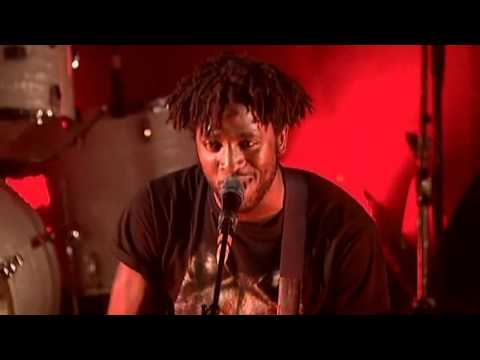 Bloc Party - Little Thoughts [Live  L&#039;Olympia Paris &#039;07]