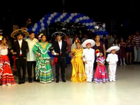 Niños bailando folklor Mexicano - La Negra Y Jarabe Tapatio de Jalisco