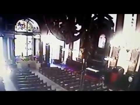 Câmera dentro da igreja registra ação de atirador em Campinas