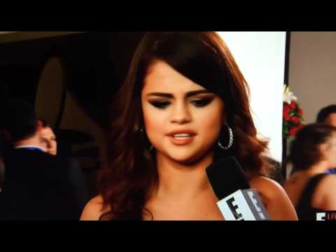 Selena Gomez Ryan Seacrest Red Carpet 2016 Grammys thumbnail