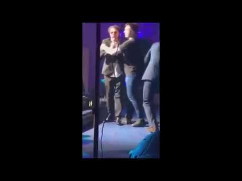Пьяный Григорий Лепс упал на сцене на своем концерте в Ростове-на-Дону