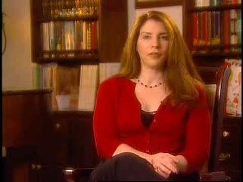 Stephenie Meyer Talks About Twilight, New Moon, and Eclipse Video