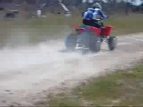 Having some fun on the 2008 Yamaha Banshee 350 Video