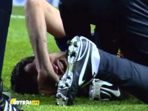 Sergio Busquets horrible Injury Barcelona vs Real Sociedad 4-01-2012