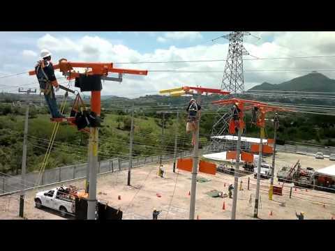 COMISION FEDERAL DE ELECTRICIDAD CAMBIO DE AISLADOR DE PASO.flv