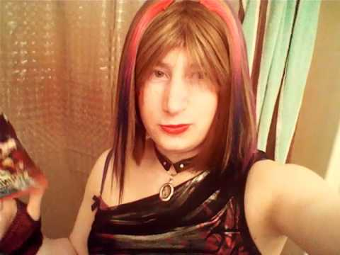 Teenage Crossdresser Vlog #3 Kof 13 Sound track/ Friends on youtube