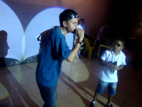 MC LON MC PET AO VIVO NO PALCO