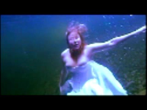 jennifer connelly underwater nude photos
