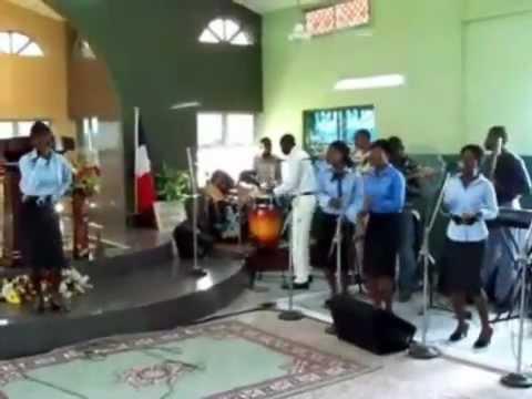Nigeria Praise worship at Onikoko church