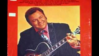 Watch Roy Clark Thank God And Greyhound video