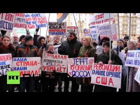 Russia: Protesters target US embassy in Moscow over 'imperialist' foreign policy