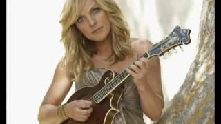 Watch Rhonda Vincent Mama Knows The Highway video