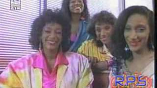 Watch Sister Sledge Frankie video